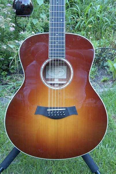 Wood carving acoustical guitars mahogany